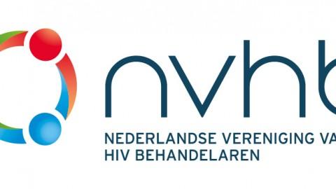 het risico om hiv over te dragen is verwaarloosbaar klein  indien de infectie goed behandeld wordt